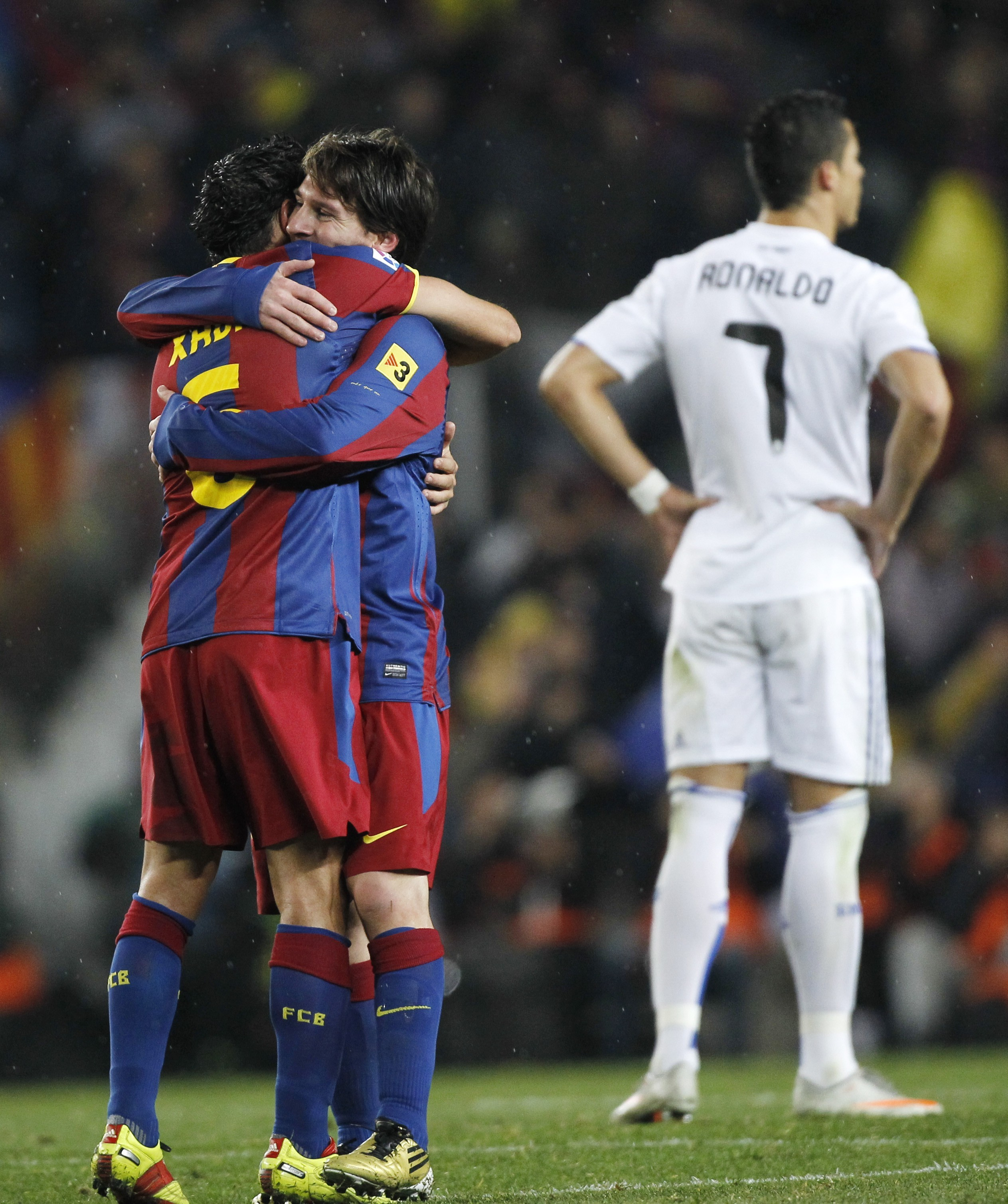 Real Madrid lionel messi cristiano ronaldo HD Wallpaper