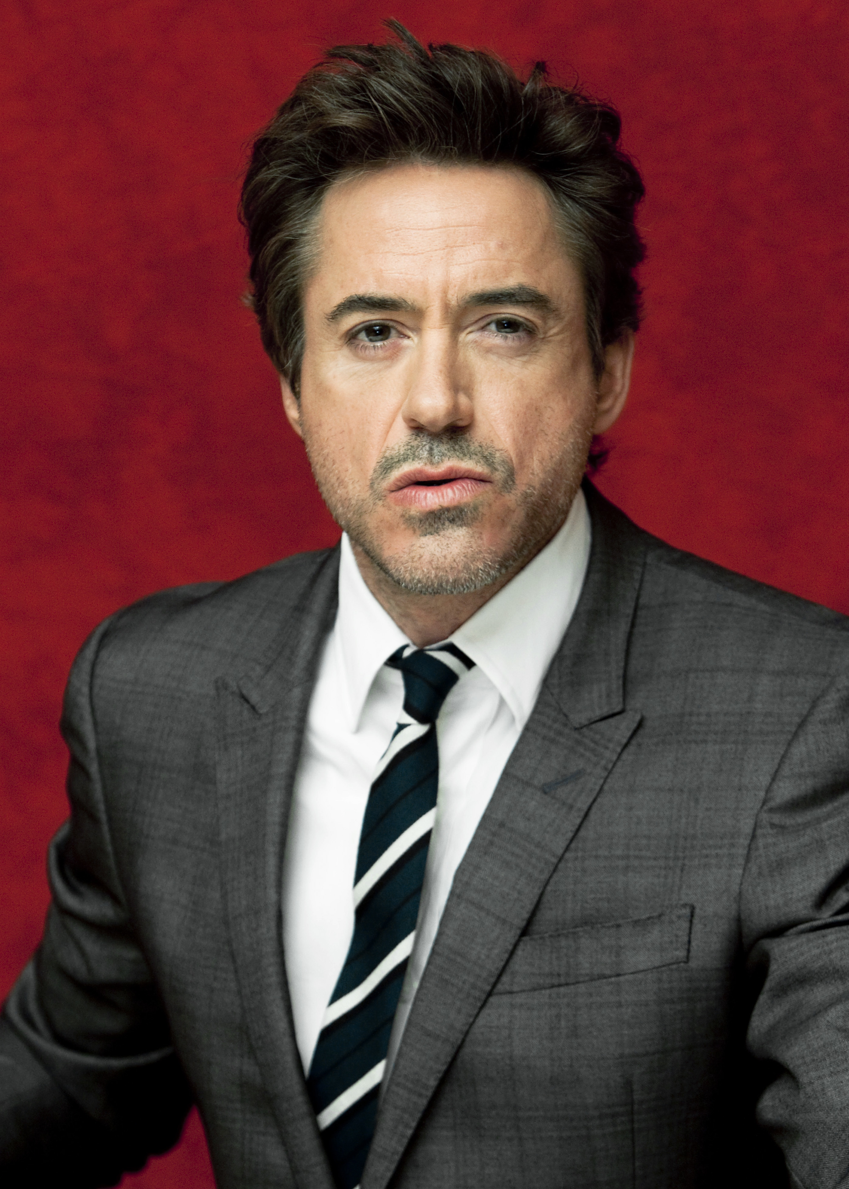 Robert Downey Jr. HD Wallpaper
