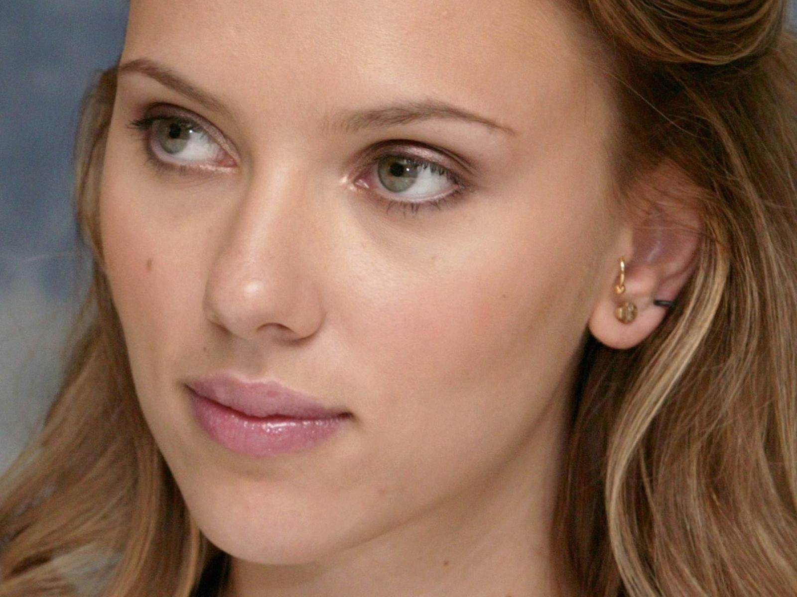 Scarlett Johansson Wallpaper on Scarlett Johansson Hd Wallpaper   Celebrity   Actress   541069