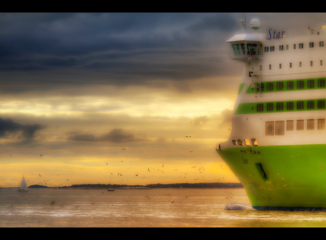 ships HDR Photography HD Wallpaper