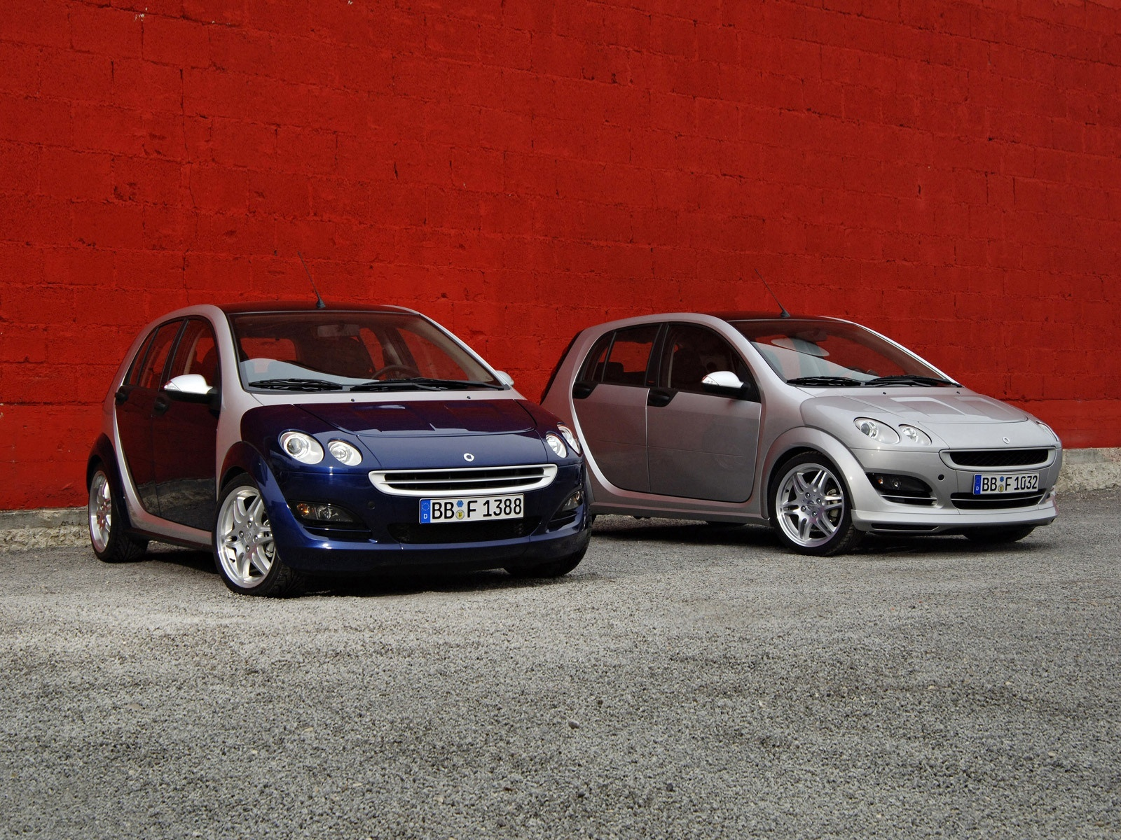 Smart for four HD Wallpaper