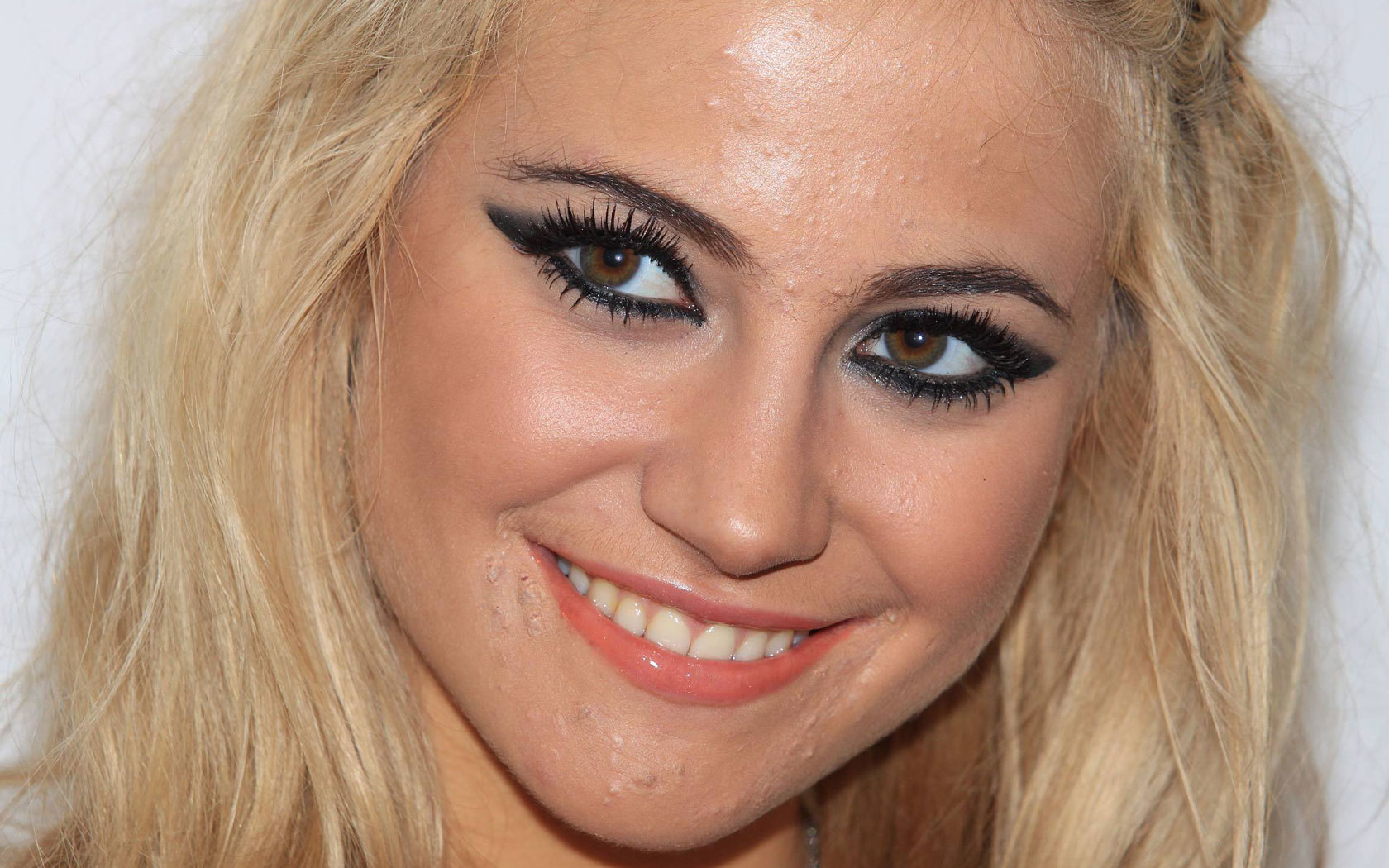 smile makeup blond Actress close up