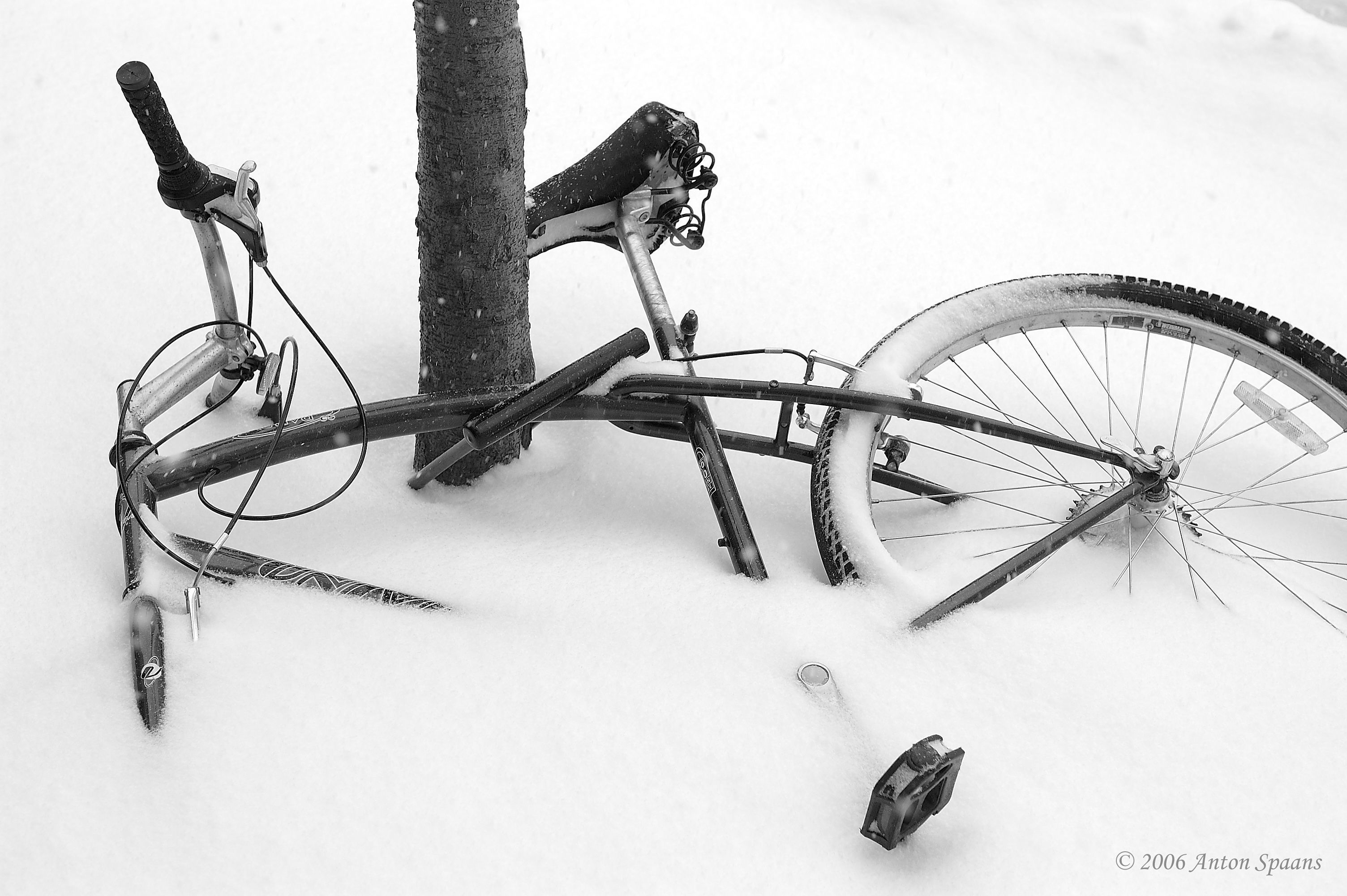 snow Bicycles HD Wallpaper