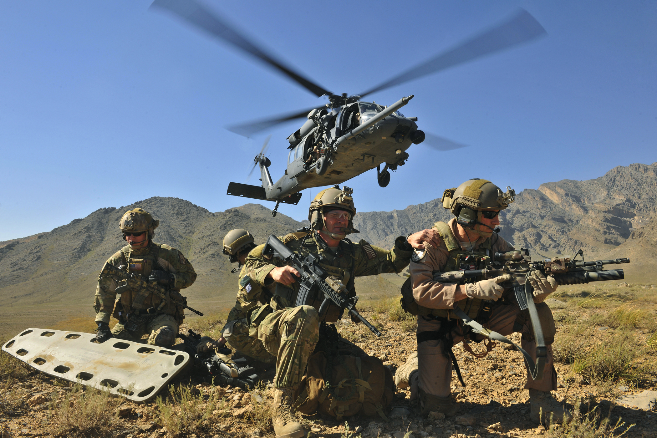 soldiers Army blackhawk training HD Wallpaper