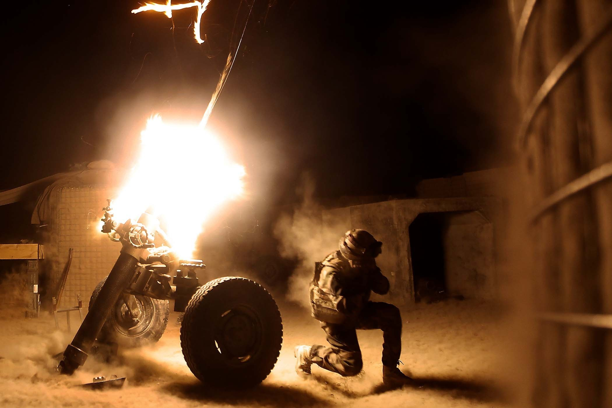soldiers War military mortar HD Wallpaper