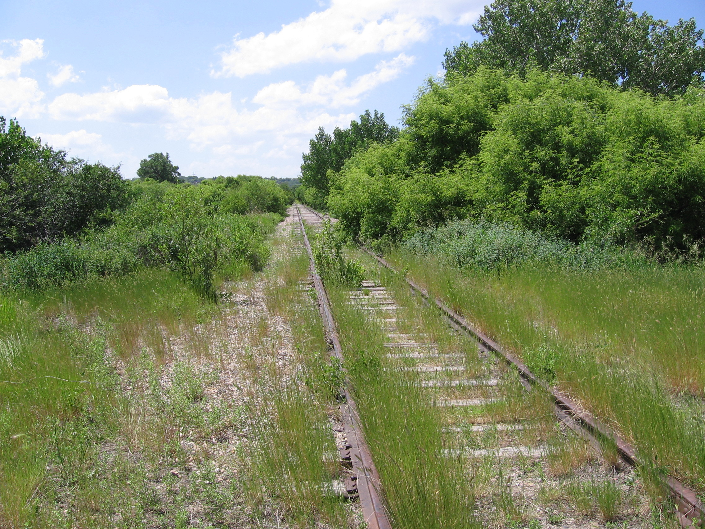 some abandoned tracks high HD Wallpaper