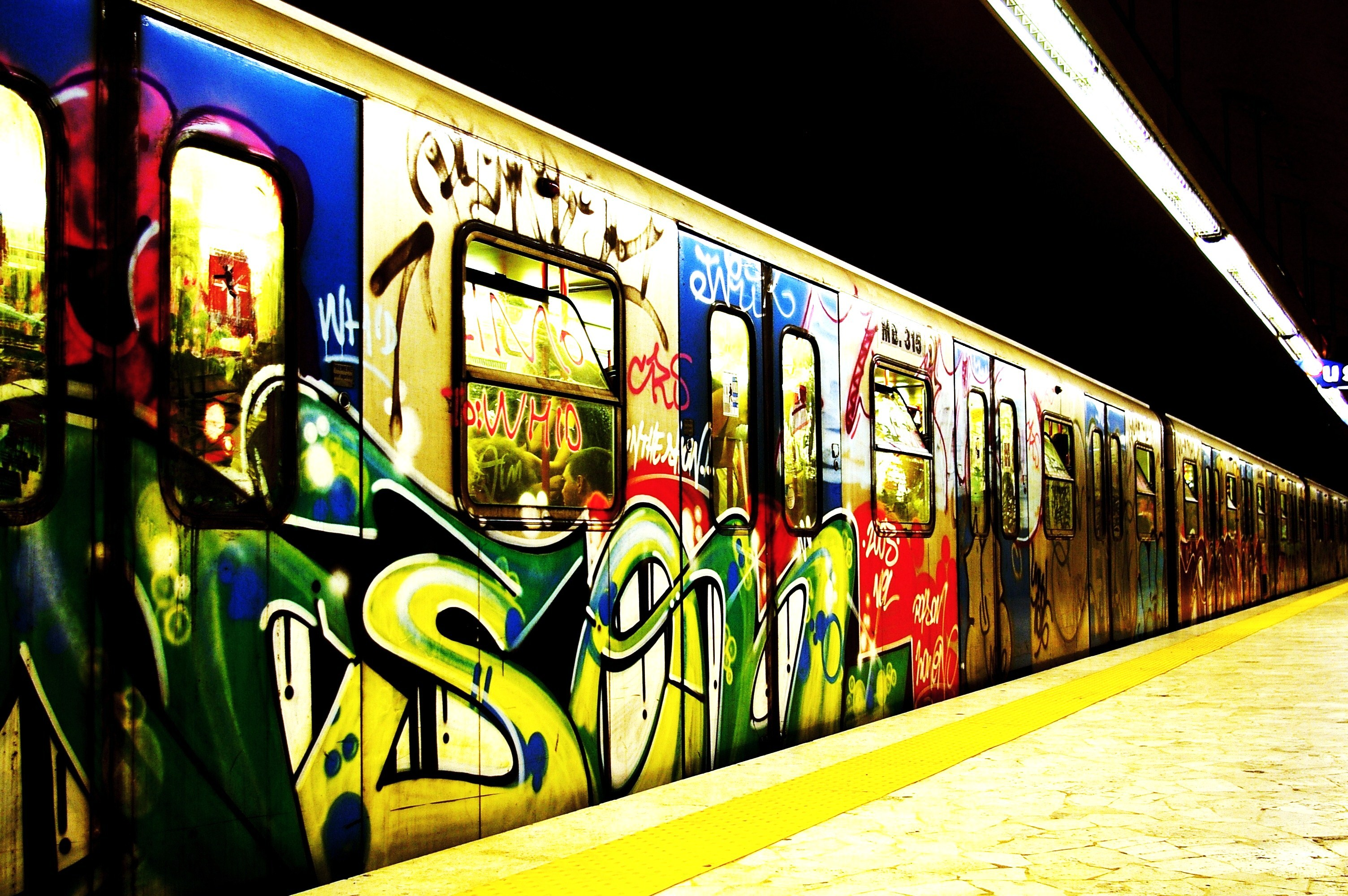 subway street art HD Wallpaper