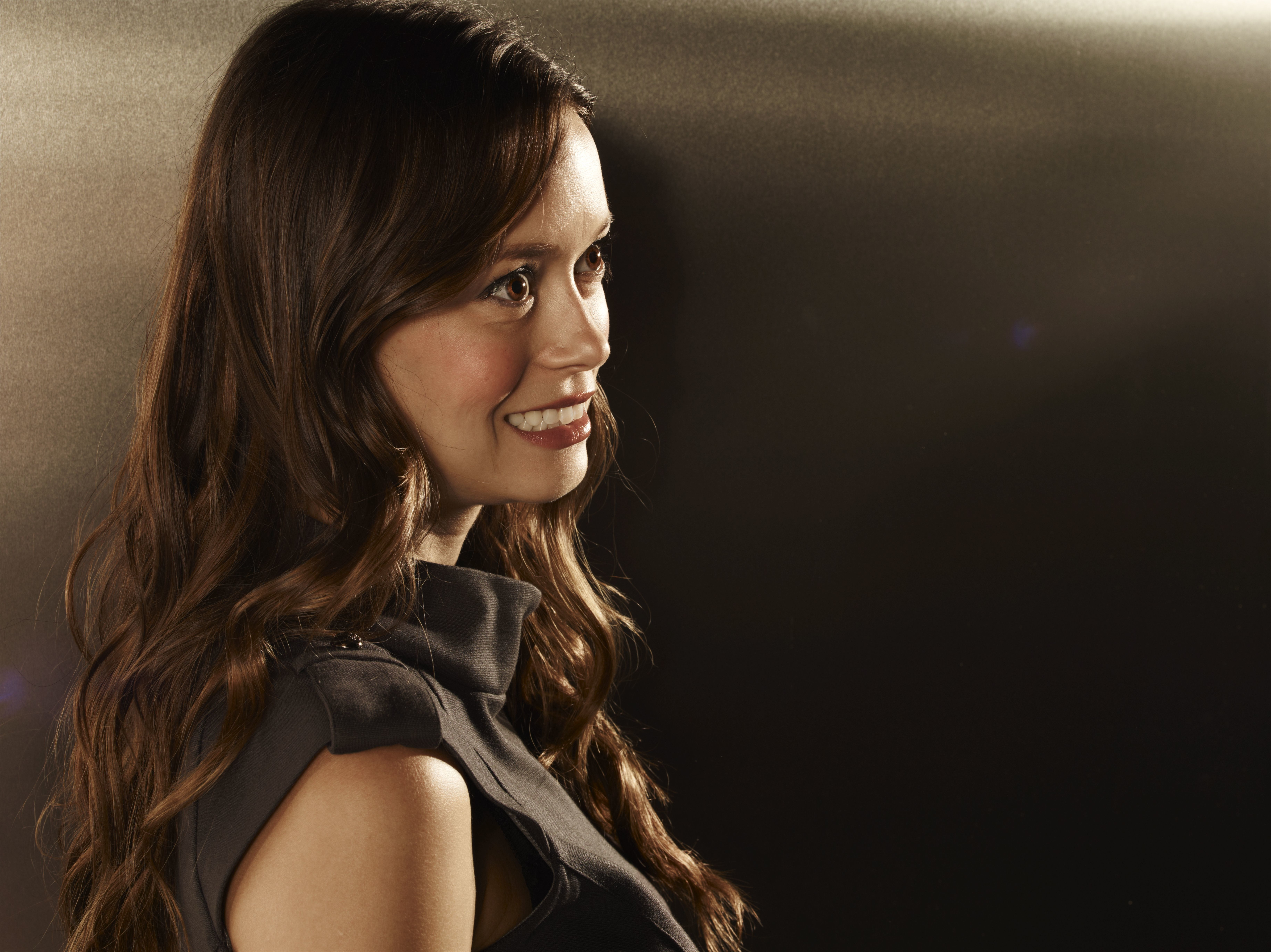 summer glau The Cape HD Wallpaper