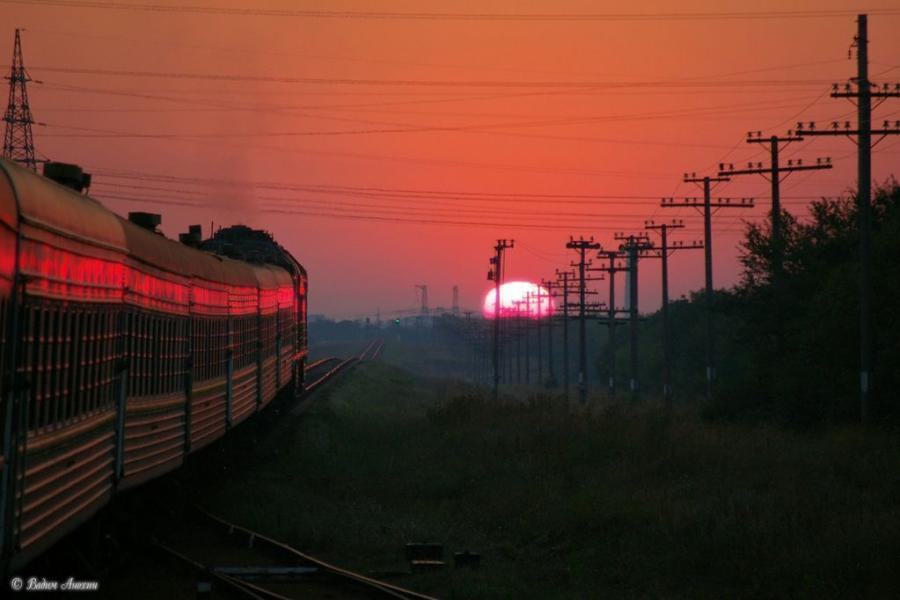 sunset trains HD Wallpaper