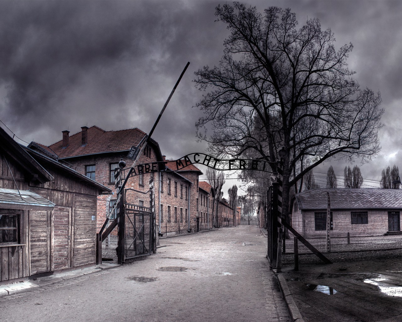 towns lonely Auschwitz HD Wallpaper