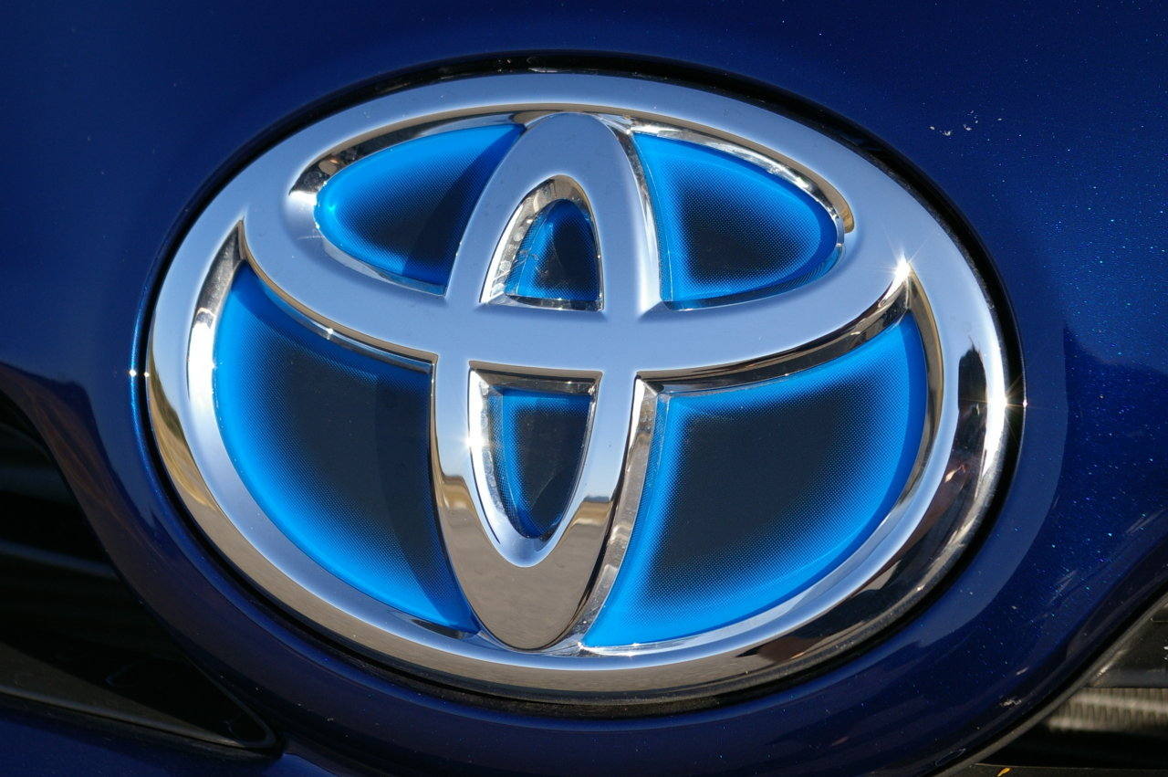 Toyota vehicles logos Company HD Wallpaper