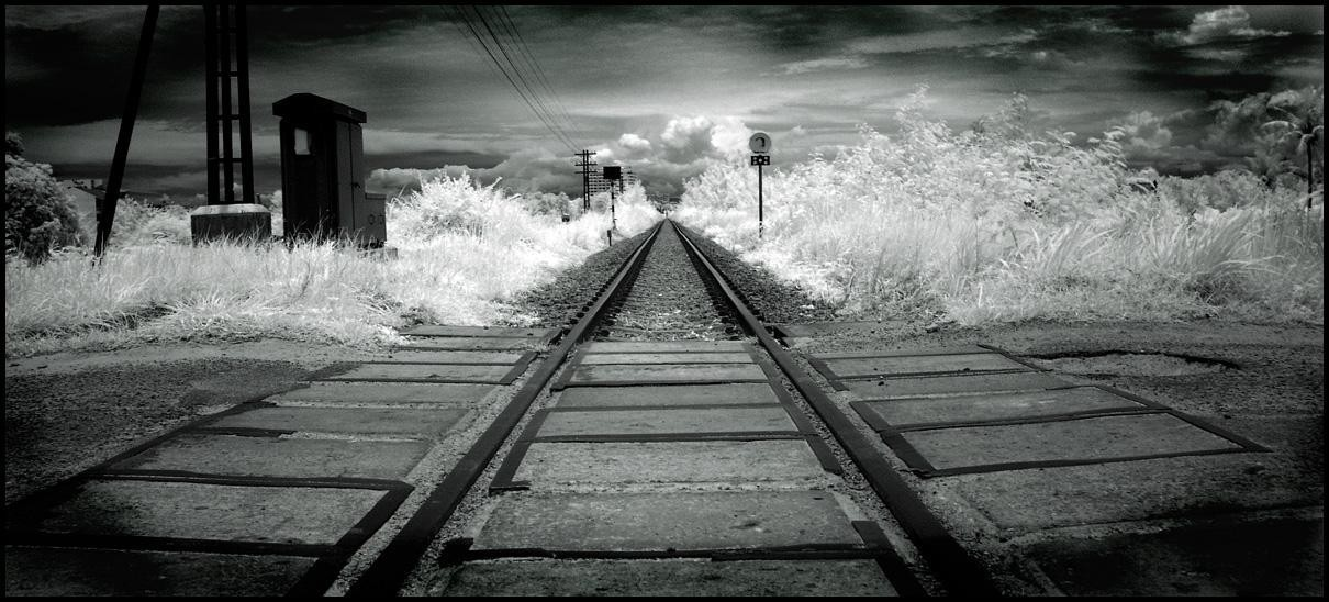 train railroad tracks