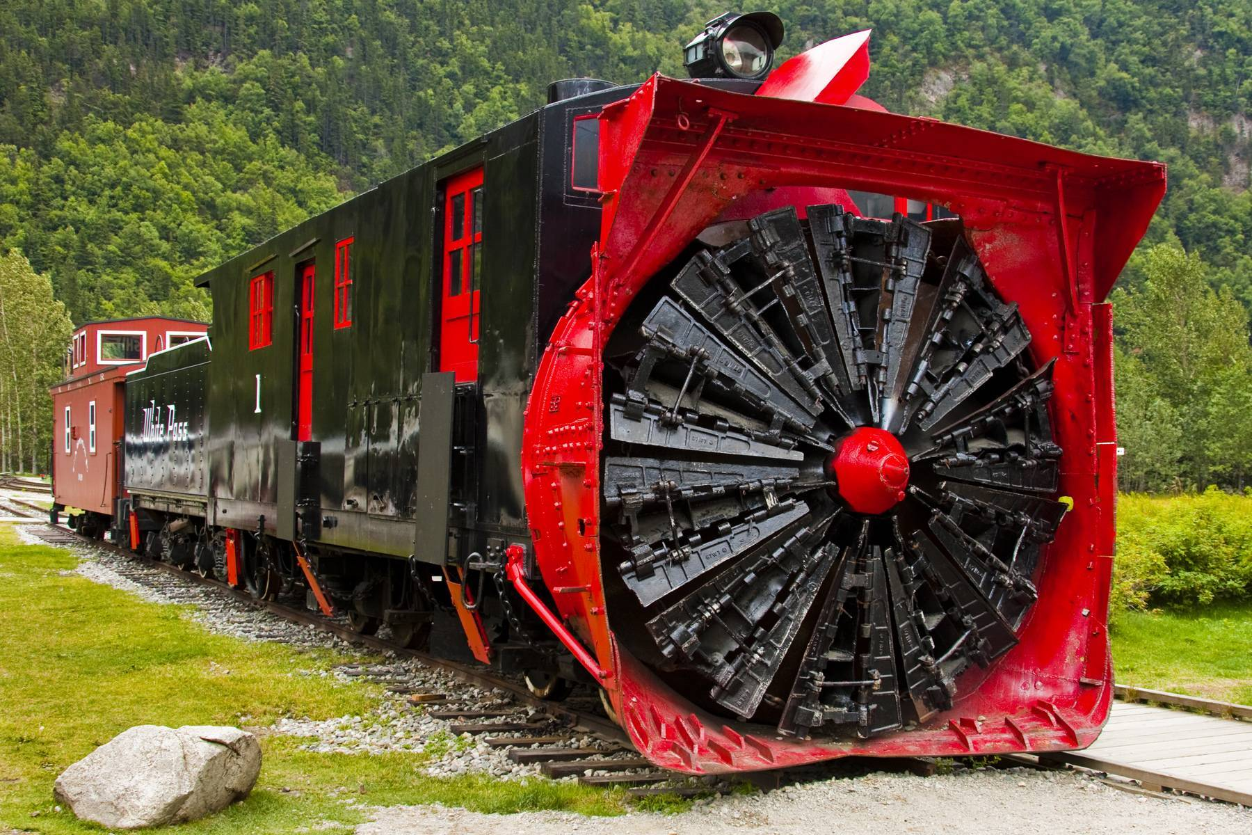 trains snow plow HD Wallpaper