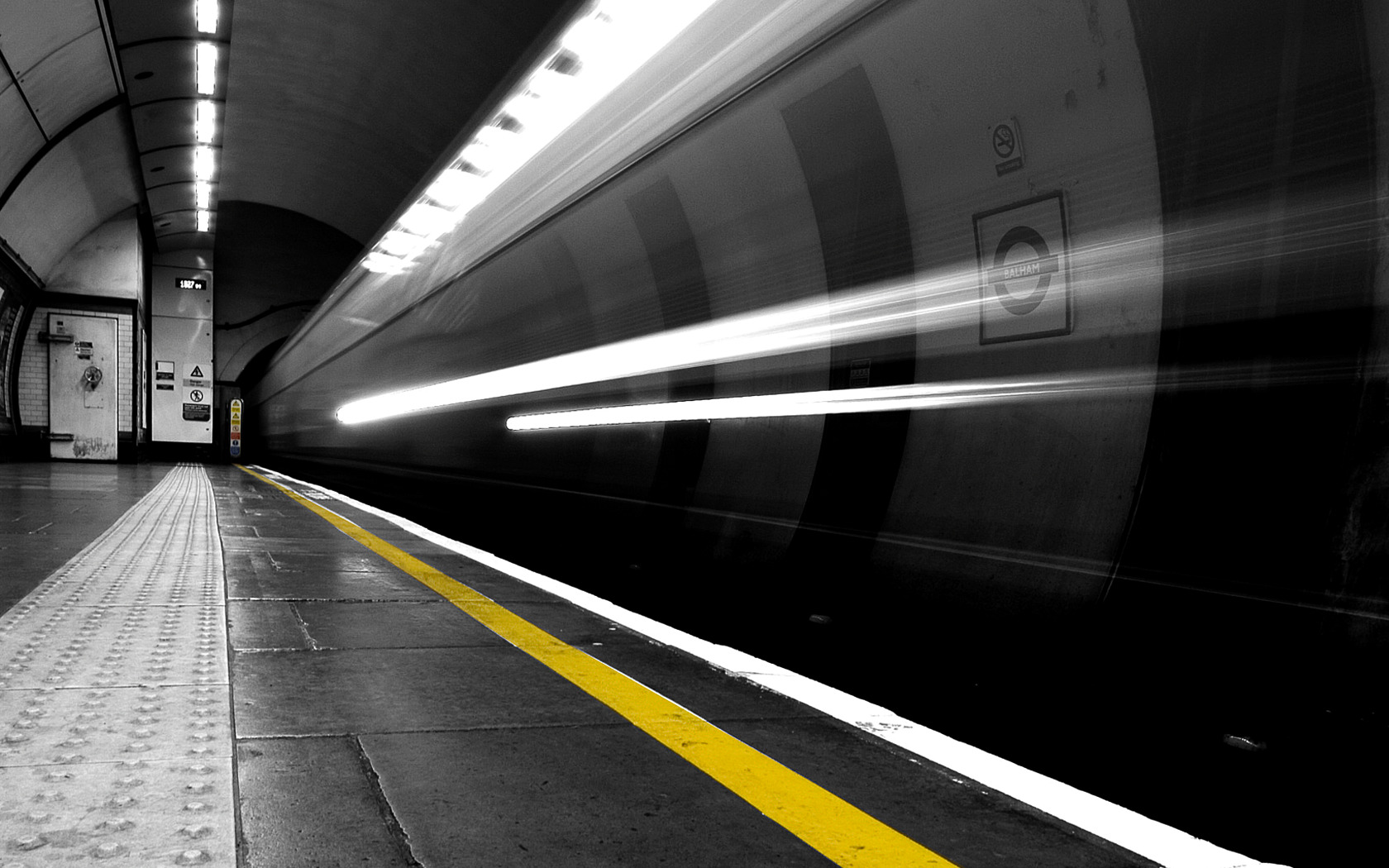 trains subway long exposure HD Wallpaper