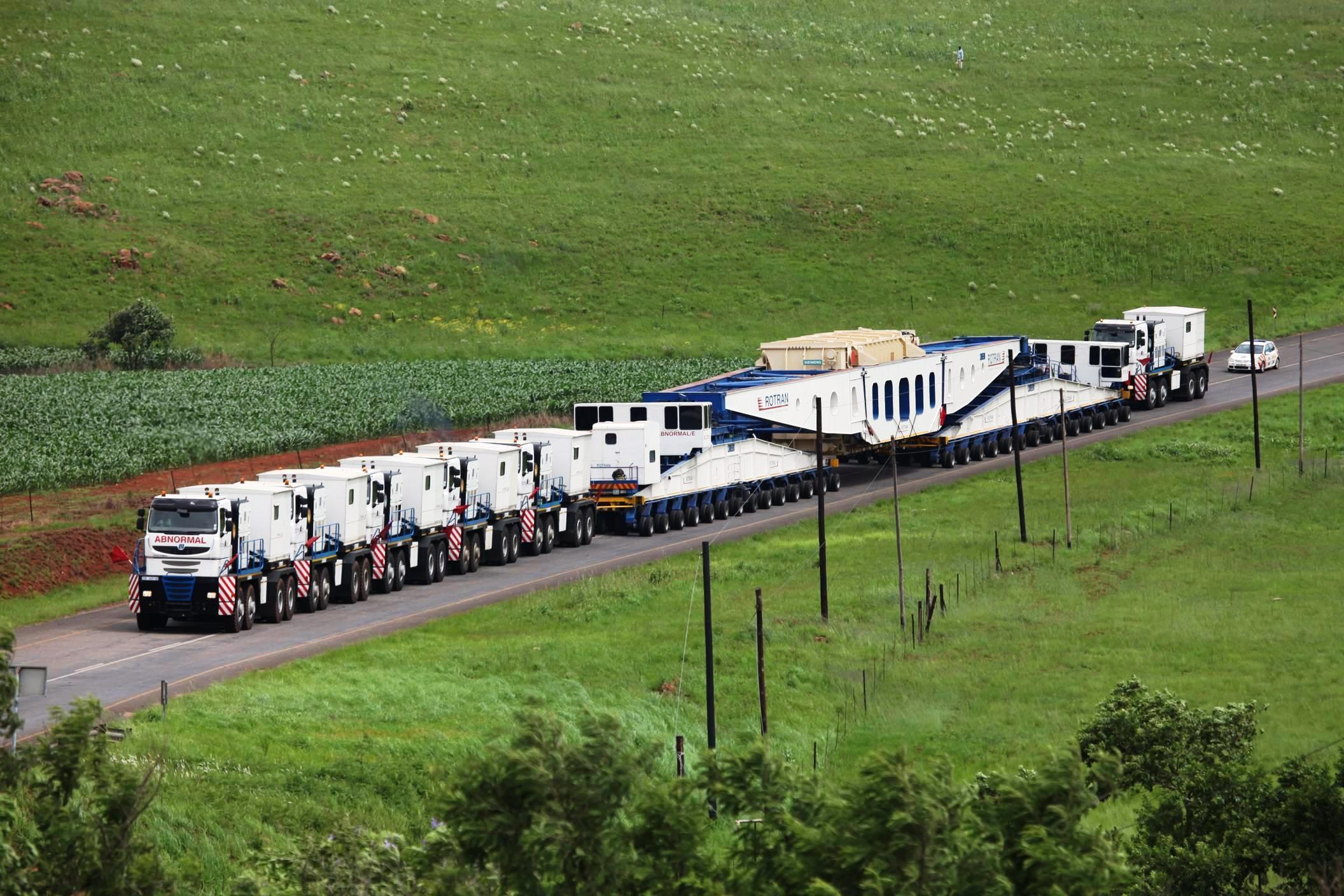 trucks Road train vehicles HD Wallpaper