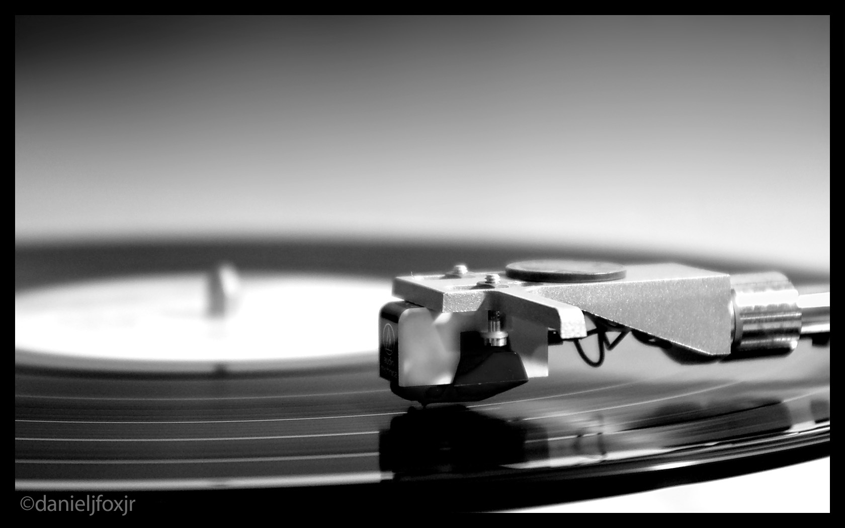 turntable record player monochrome HD Wallpaper