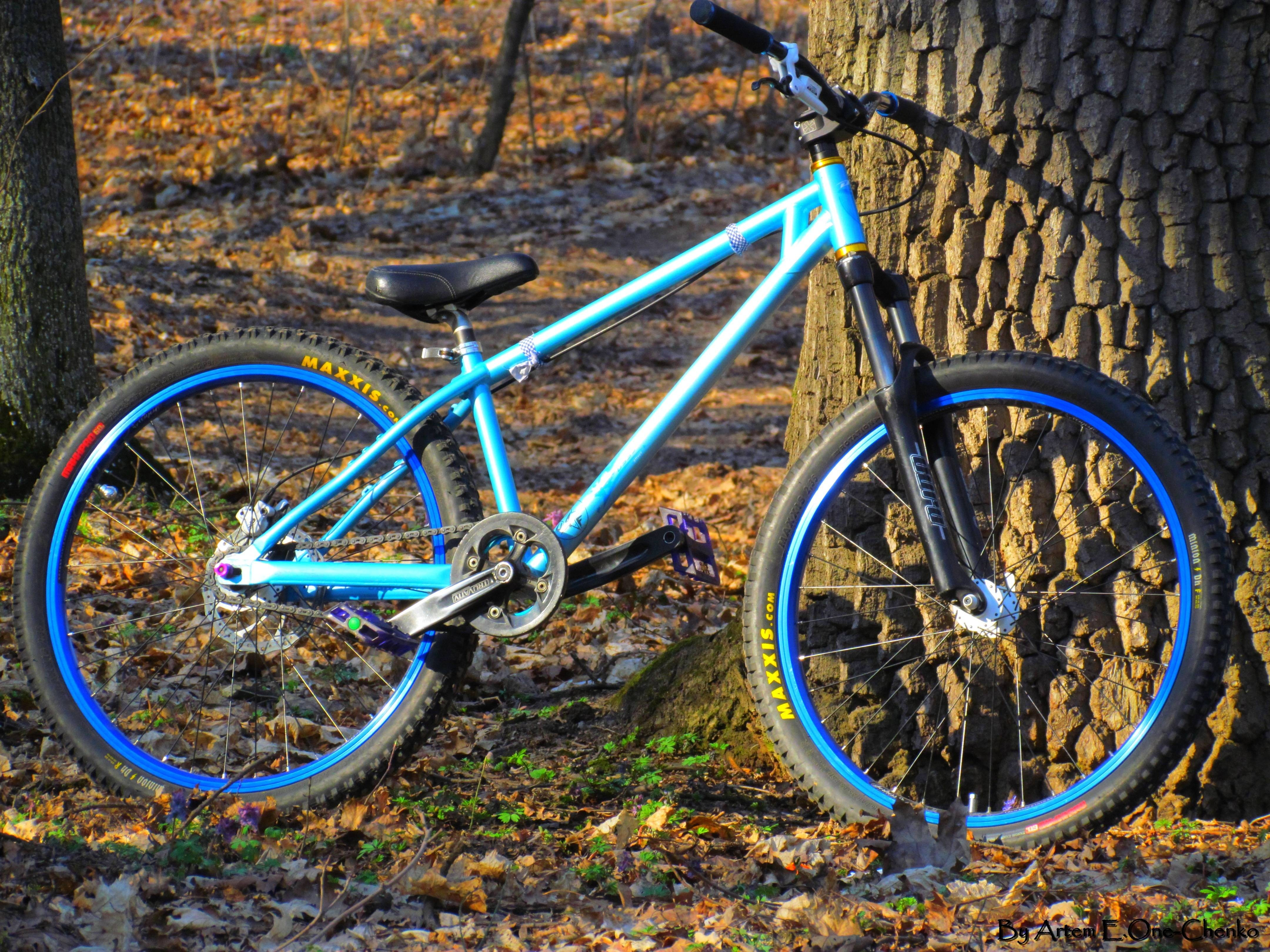 Ukraine vehicles mountain bikes HD Wallpaper