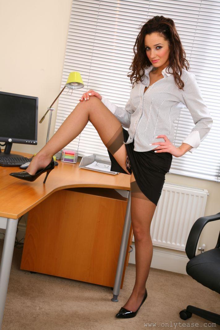 Upskirt high heels secretary