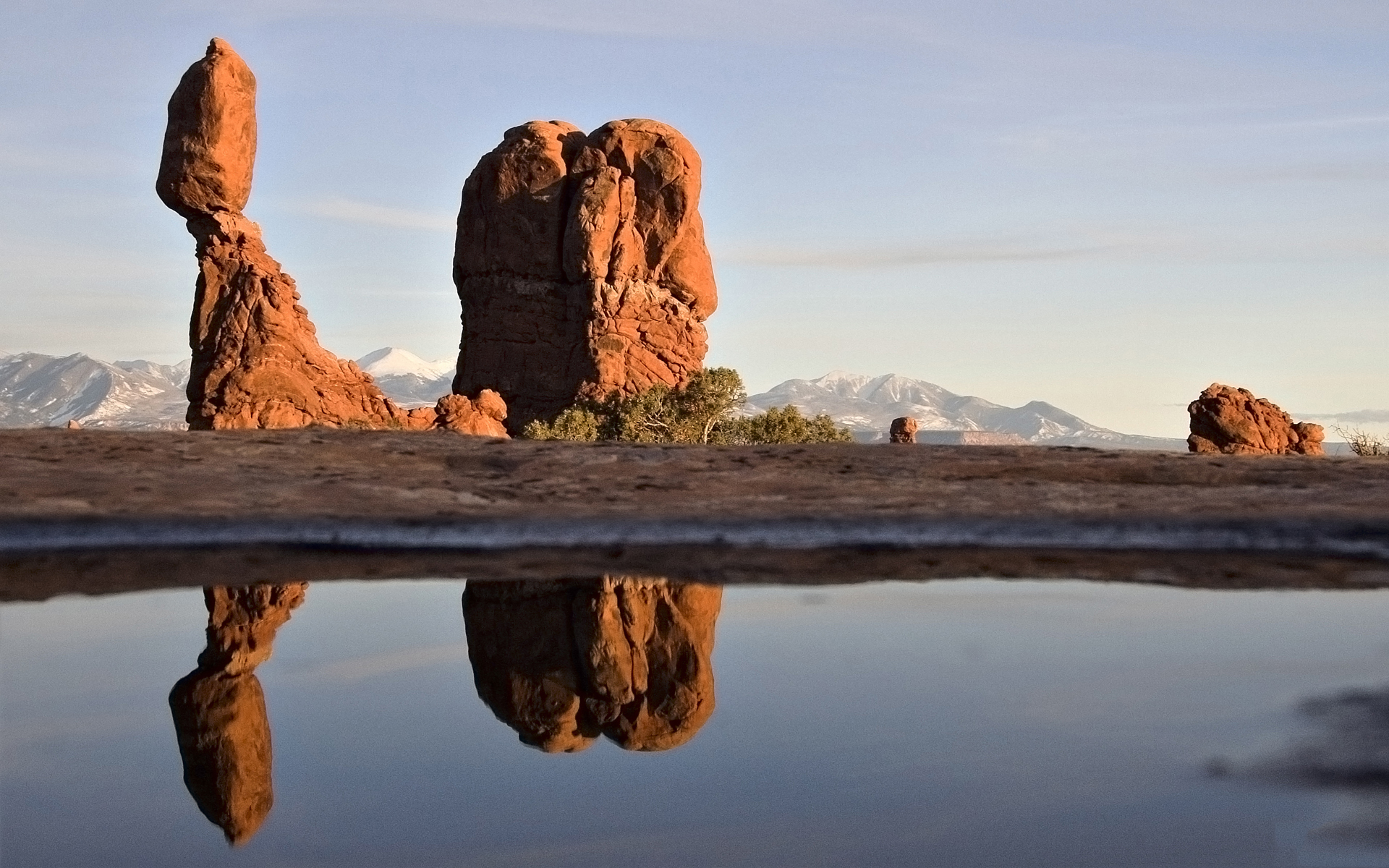 water rocks Arches National HD Wallpaper
