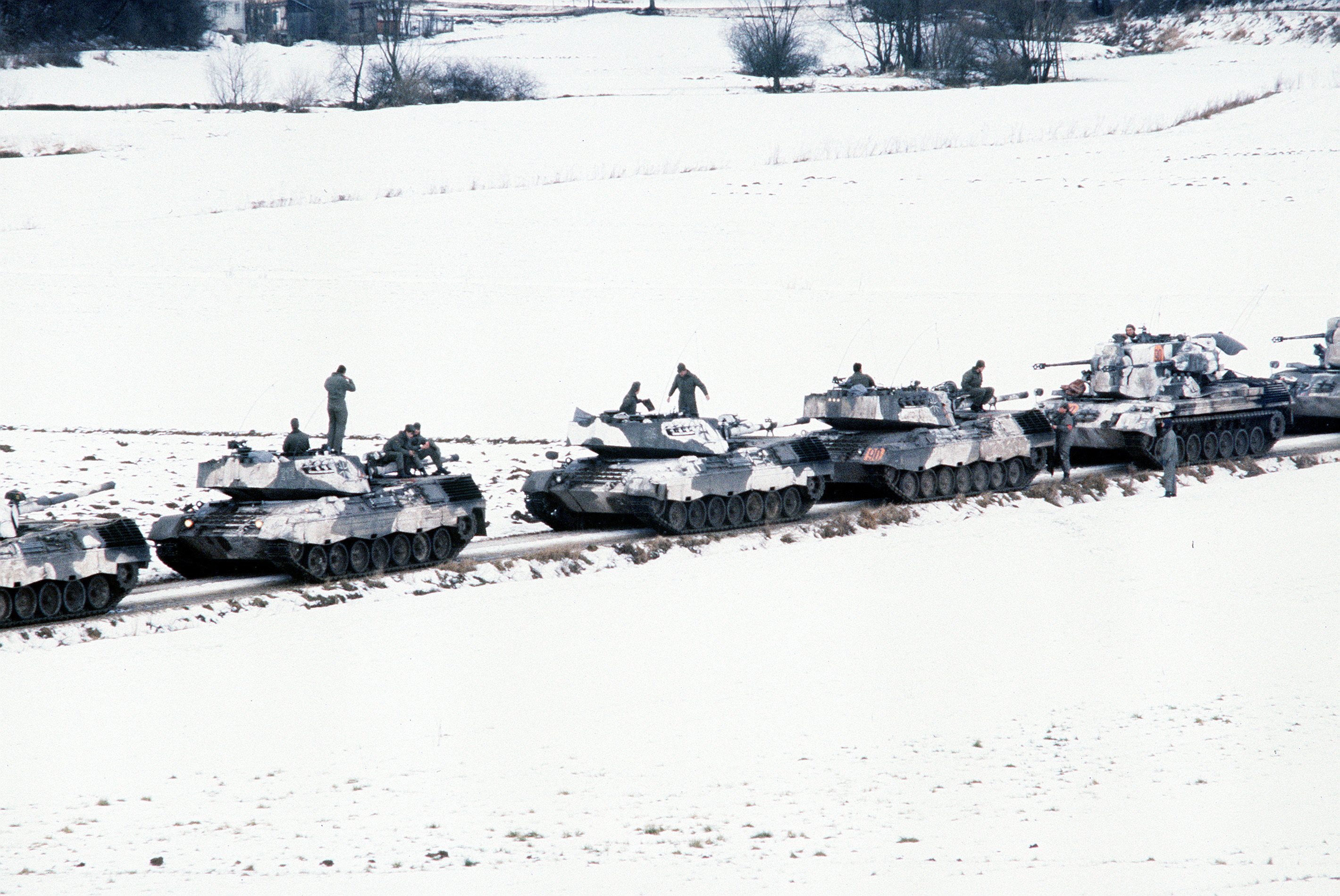 West German leopard tanks HD Wallpaper