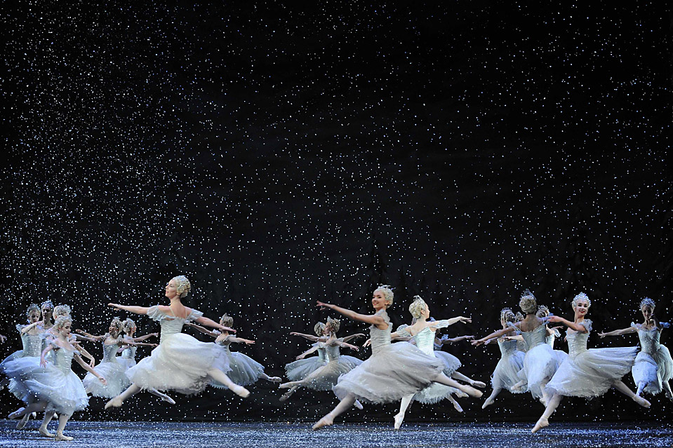 winter snow ballet dance HD Wallpaper