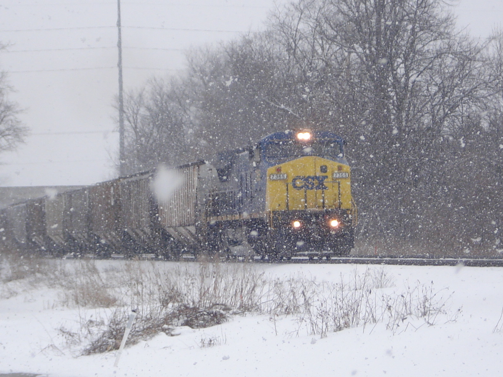 winter snow trains HD Wallpaper