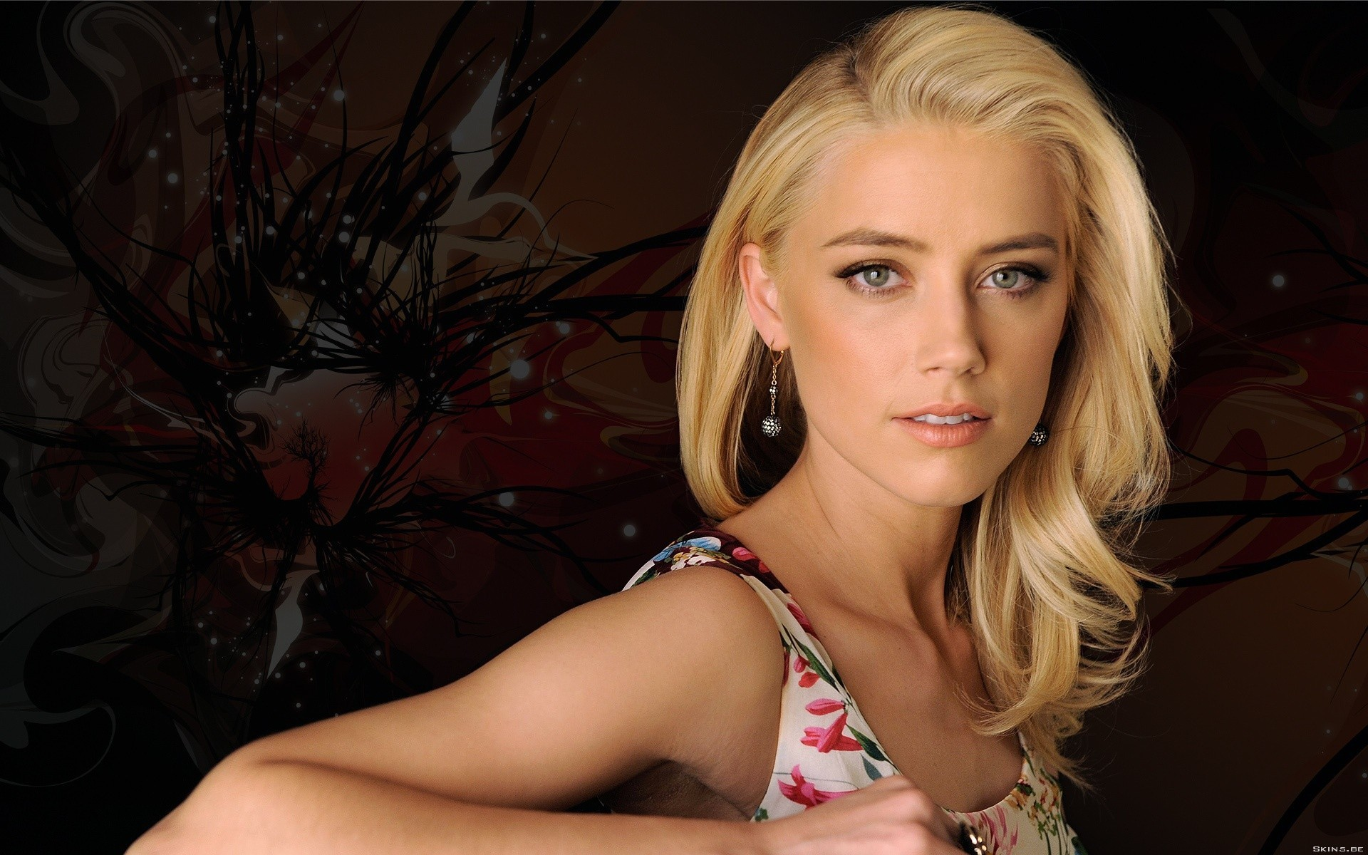 woman Actress amber heard