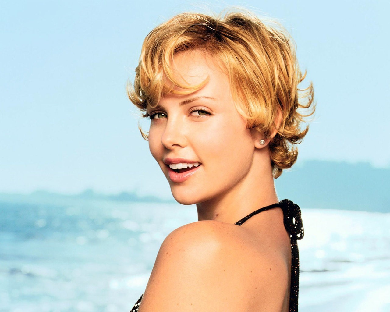 woman Actress charlize theron HD Wallpaper