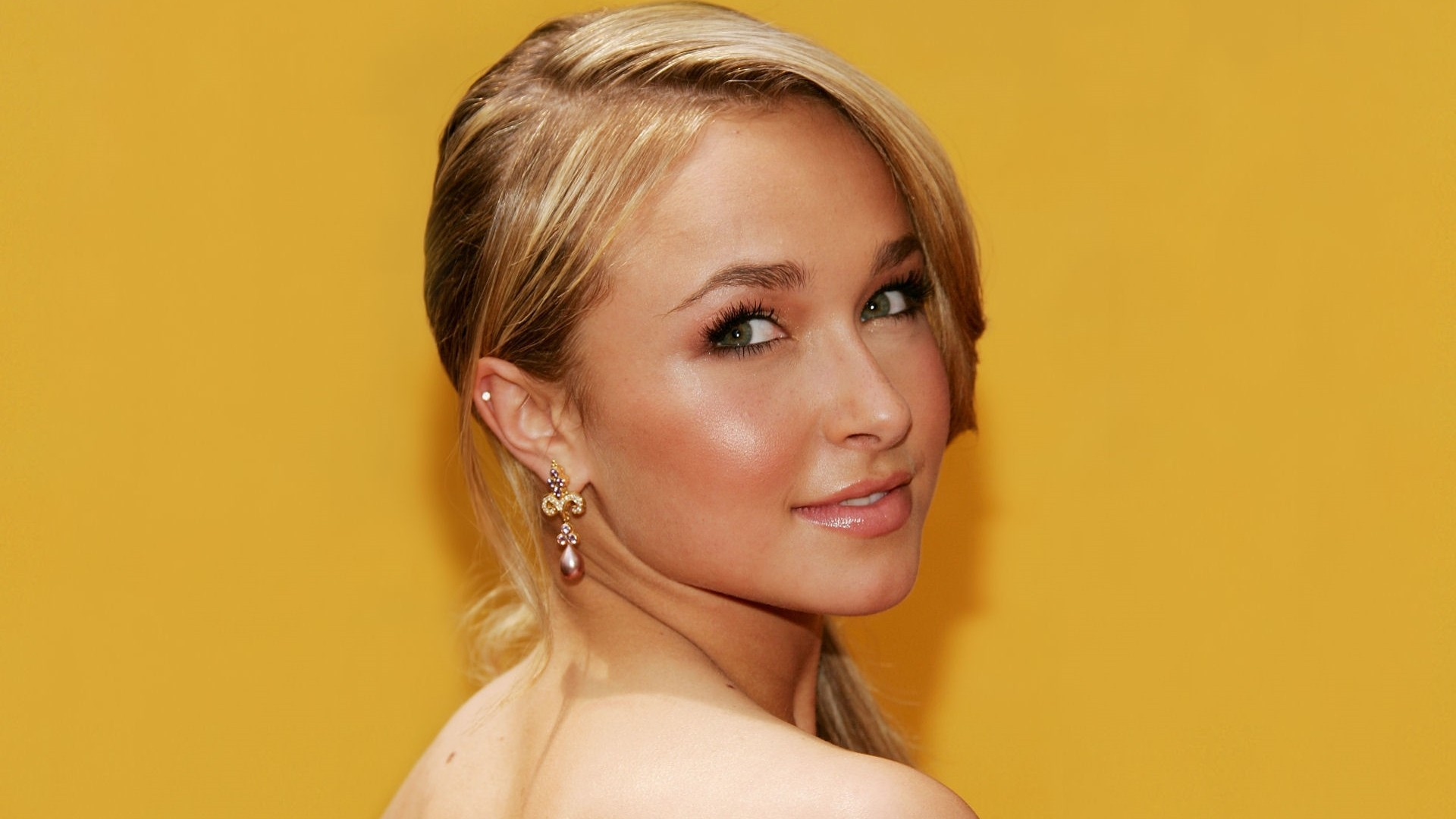 woman Actress hayden panettiere HD Wallpaper
