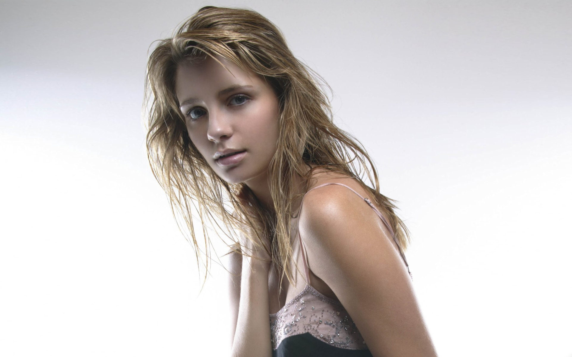 woman Actress mischa barton Simple Background HD Wallpaper