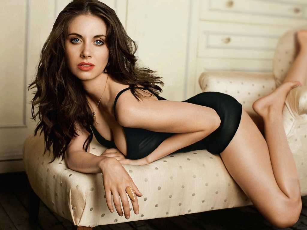 woman alison brie HD Wallpaper