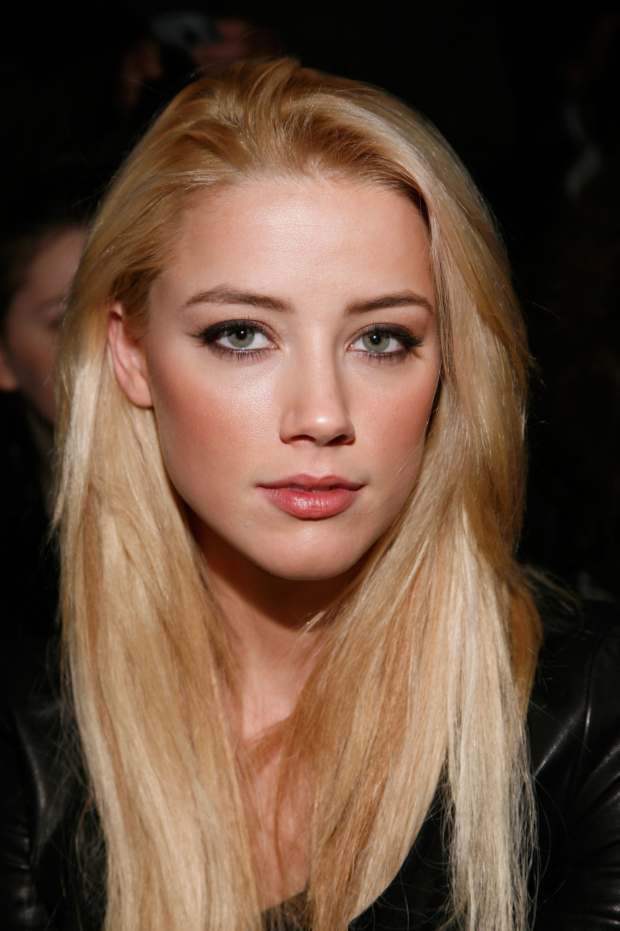 woman amber heard faces