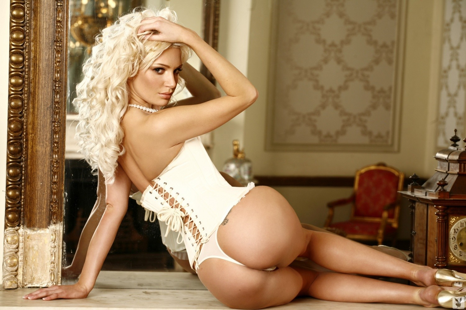 woman ass blondes corset high heels HD Wallpaper