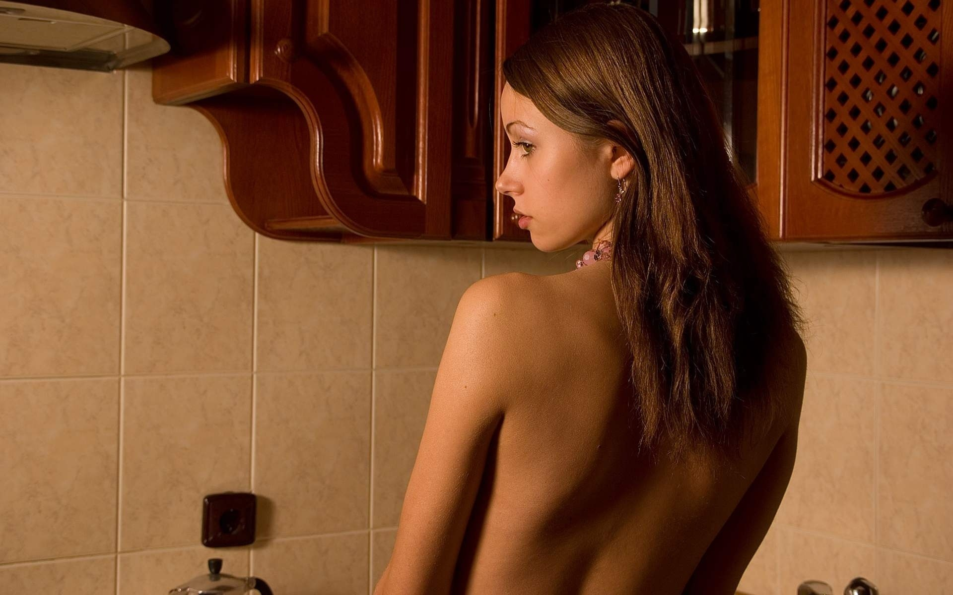 woman back HD Wallpaper