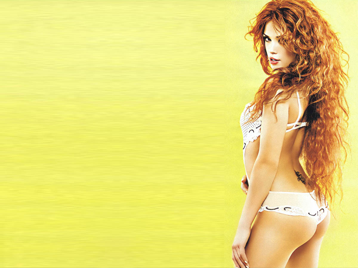 woman bikini redheads curly HD Wallpaper