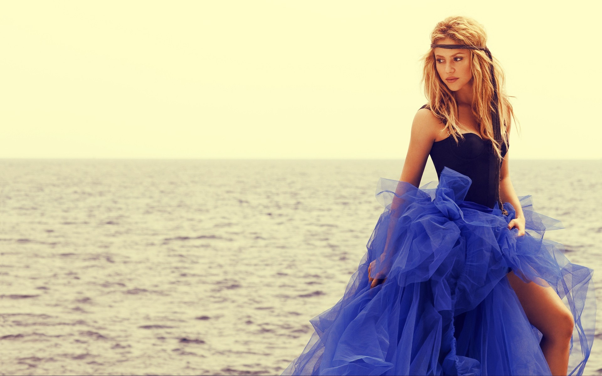 woman blue dress shakira HD Wallpaper