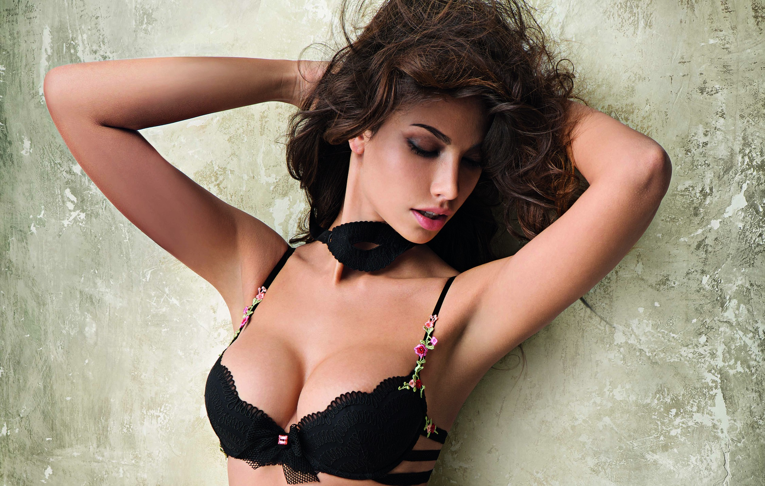 woman bra Madalina Diana Ghenea HD Wallpaper