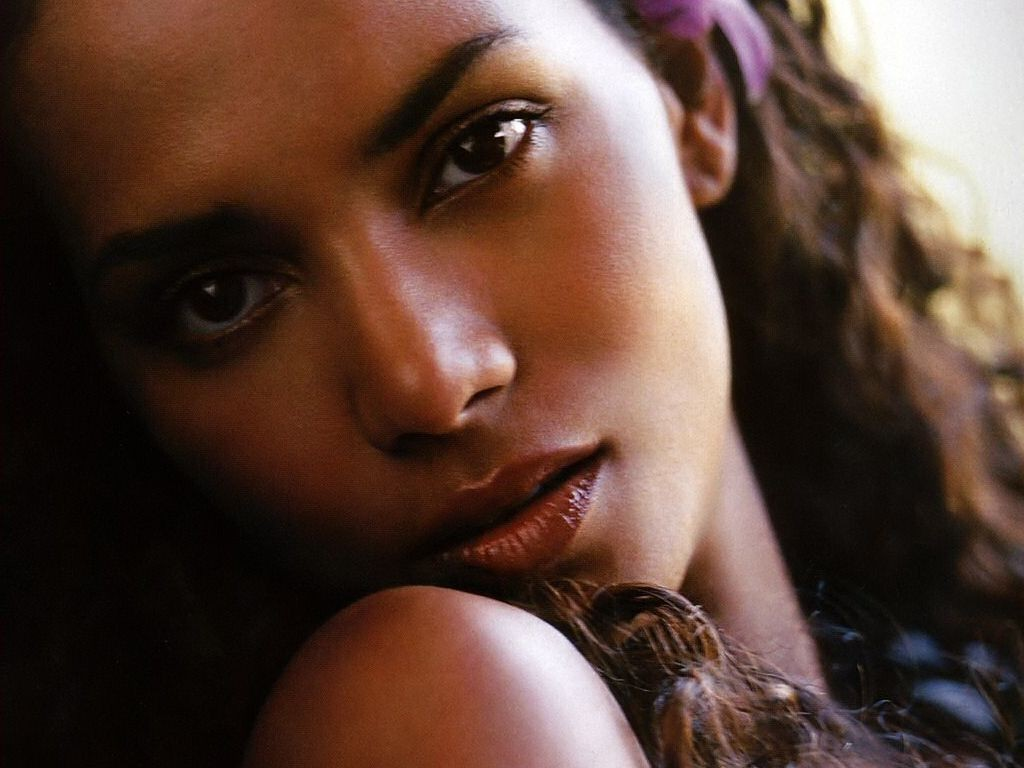 woman close-up black people HD Wallpaper