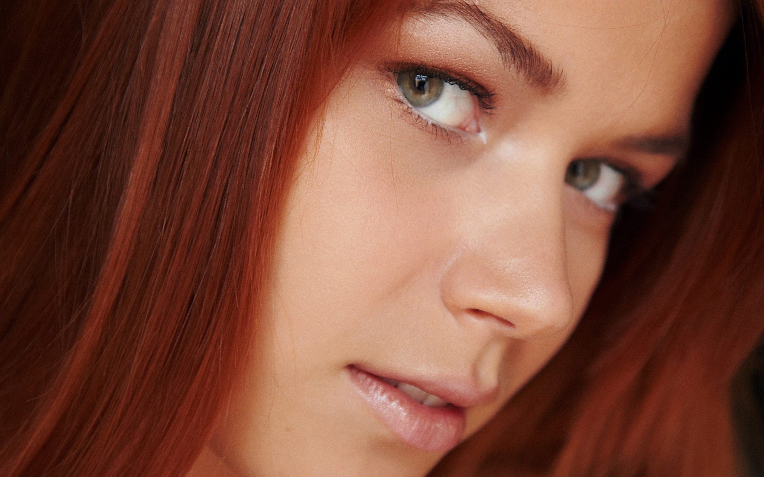 woman close-up eyes redheads HD Wallpaper