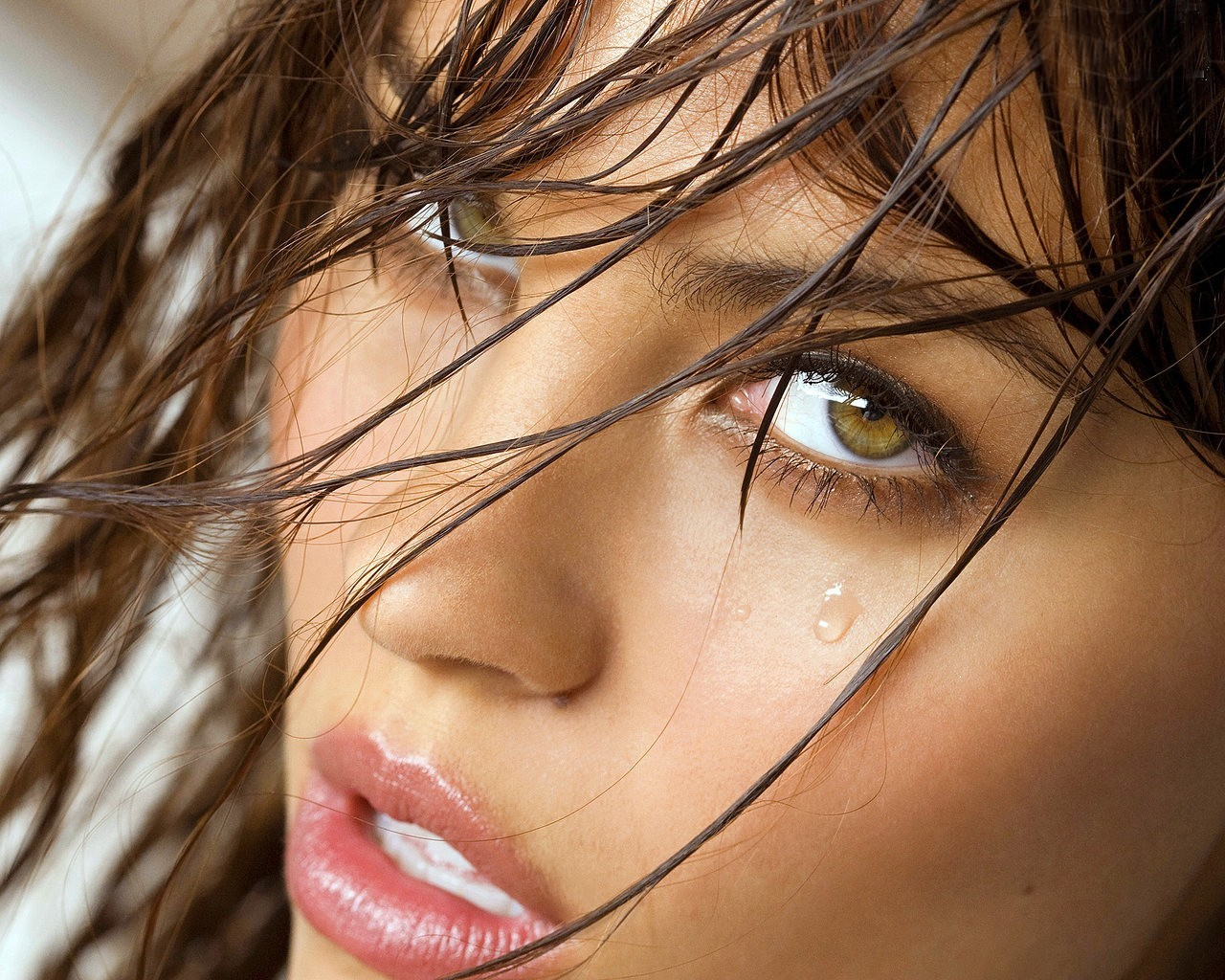 woman close-up faces green eyes brunettes HD Wallpaper