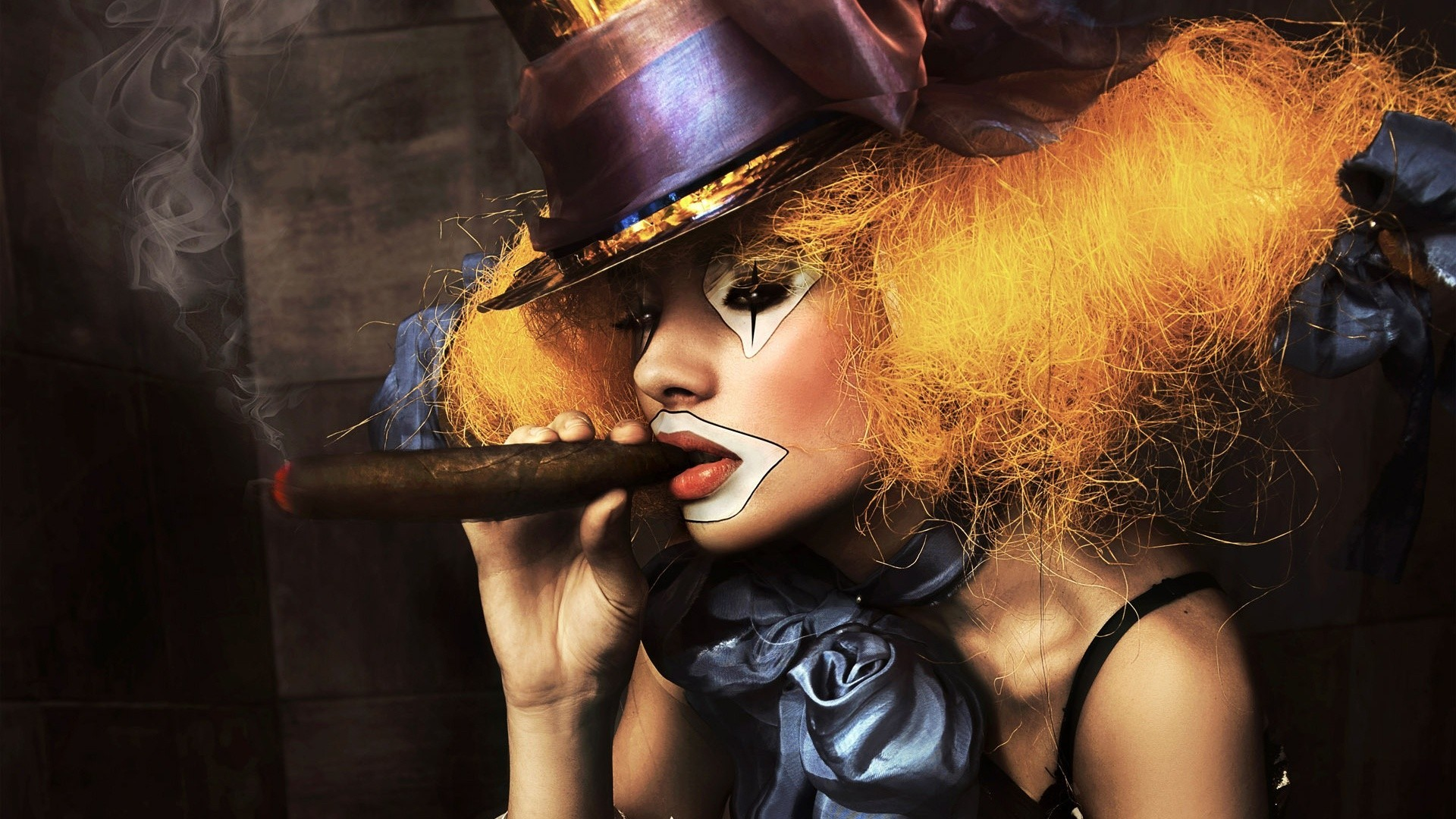 woman clowns cigars HD Wallpaper
