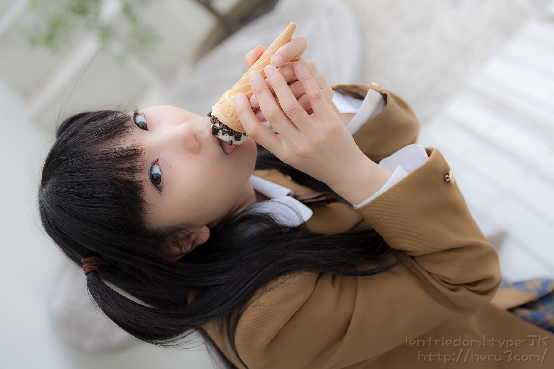woman cosplay food ice HD Wallpaper