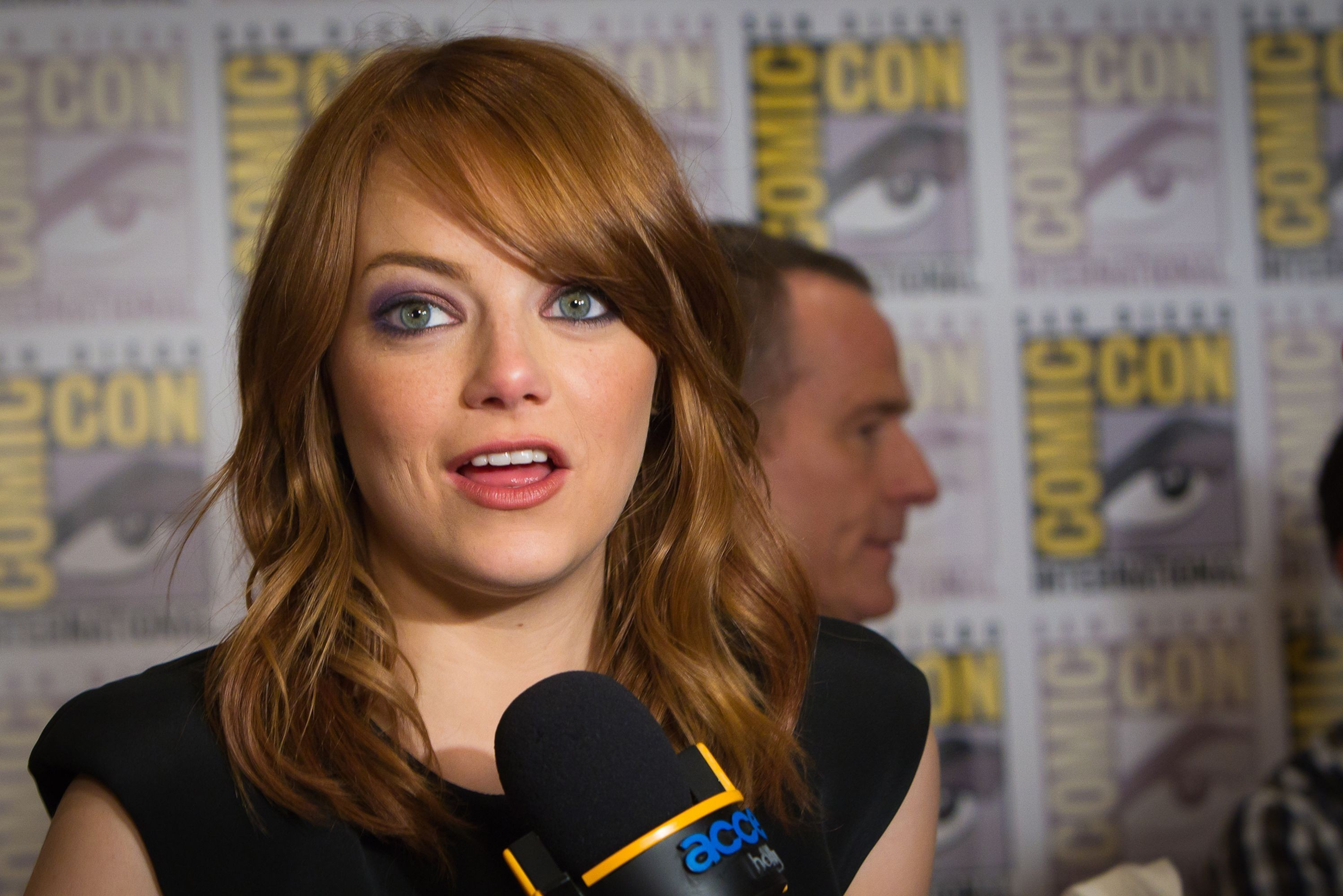 woman emma stone Comic-Con HD Wallpaper