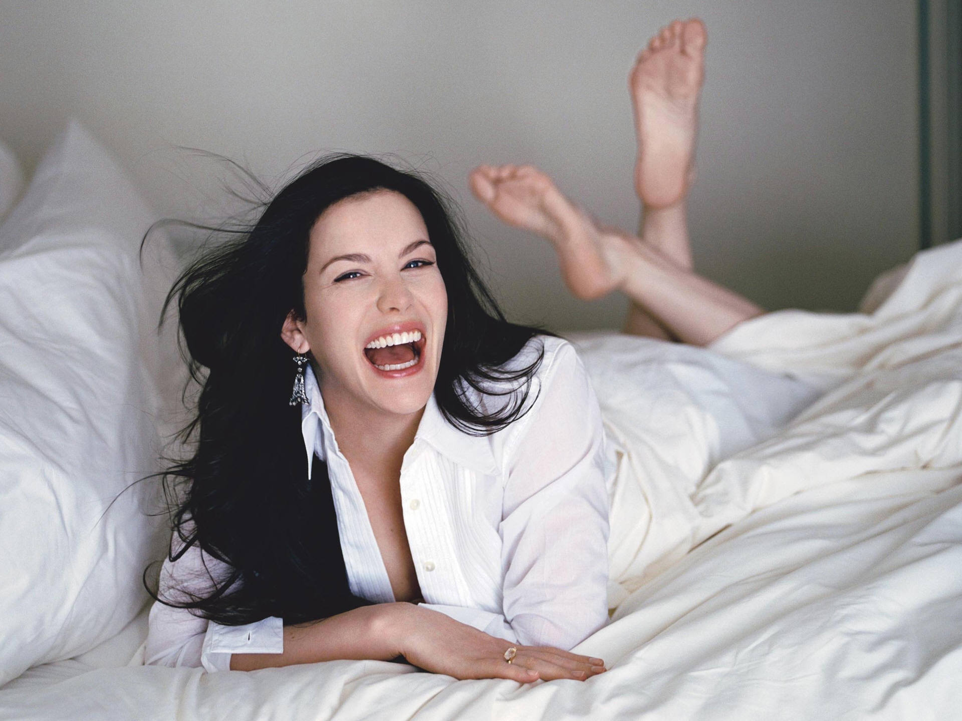 woman feet Liv Tyler HD Wallpaper