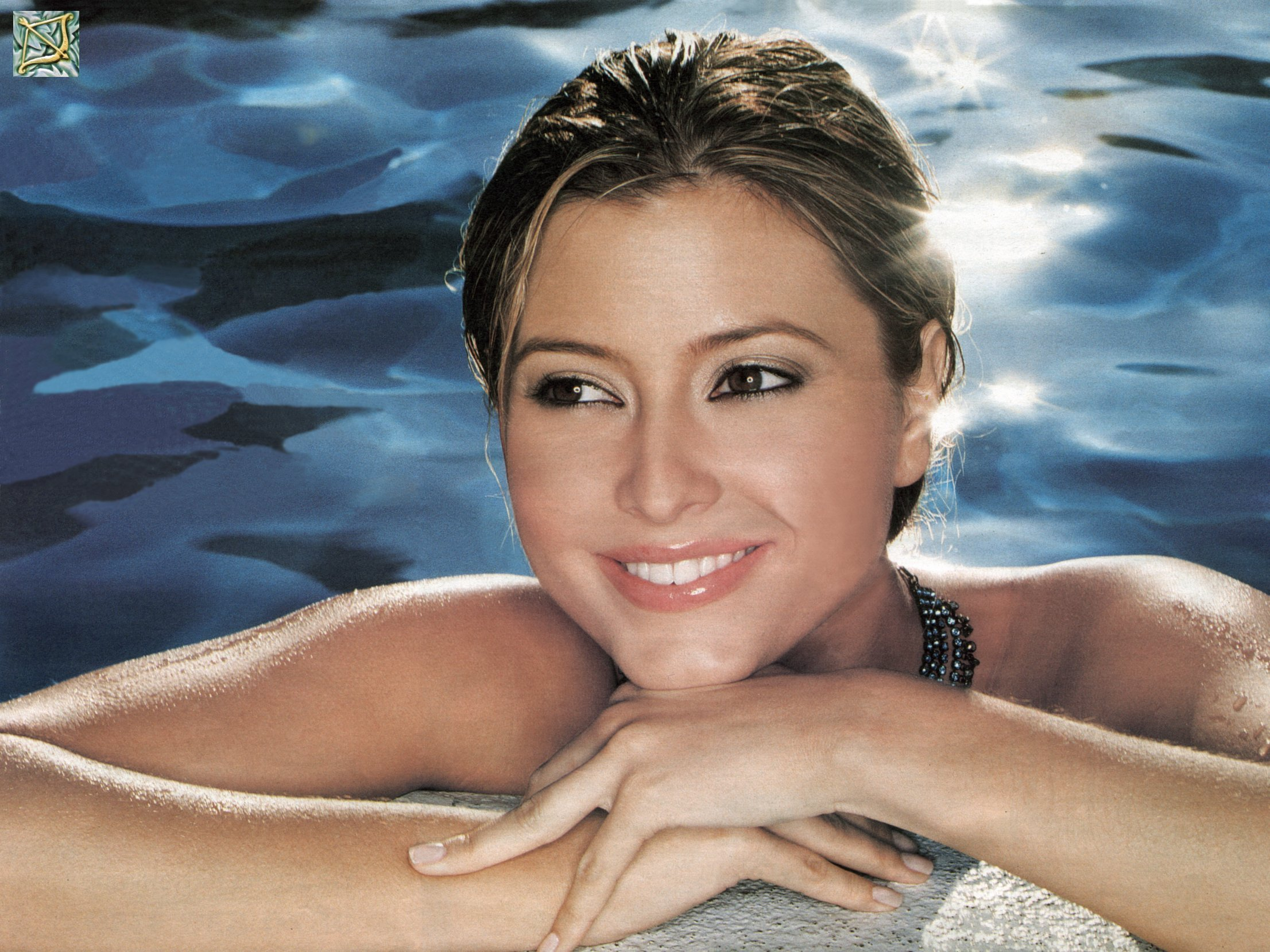woman holly valance