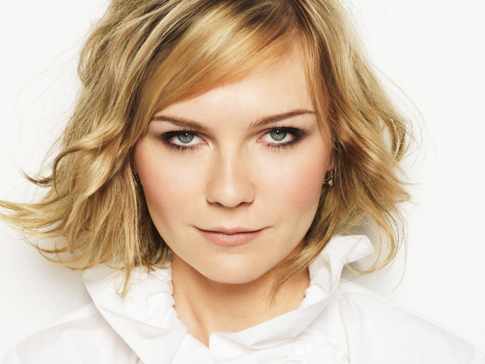 woman Kirsten Dunst faces HD Wallpaper