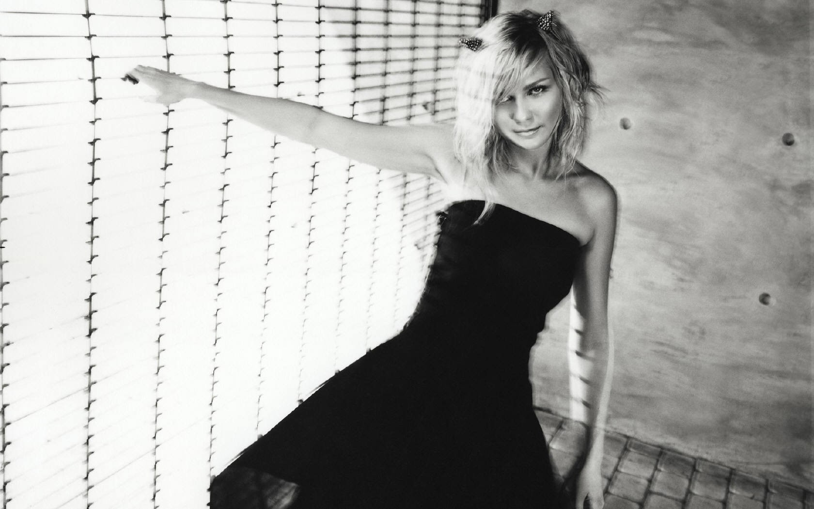 woman Kirsten Dunst monochrome HD Wallpaper