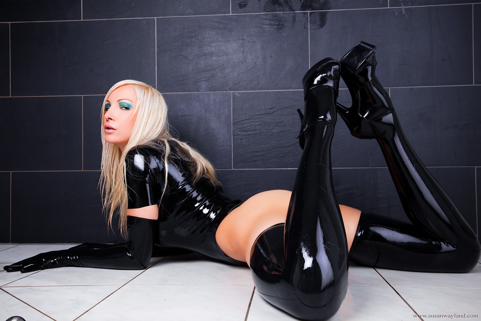 woman latex Susan Wayland HD Wallpaper