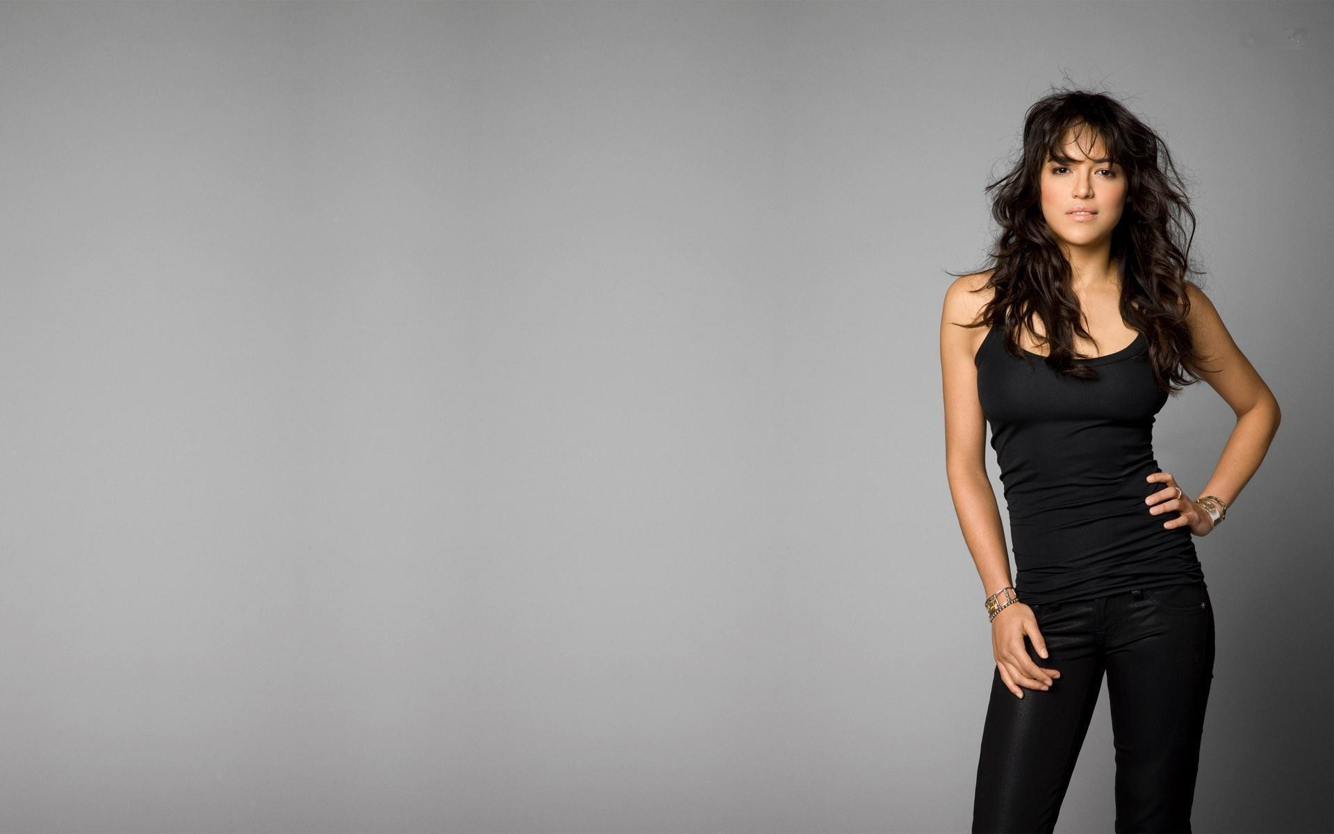 woman Michelle Rodriguez HD Wallpaper