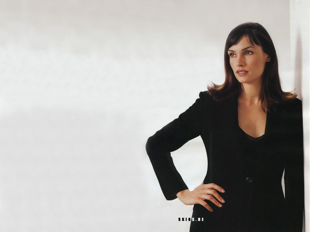 woman models Famke Janssen HD Wallpaper